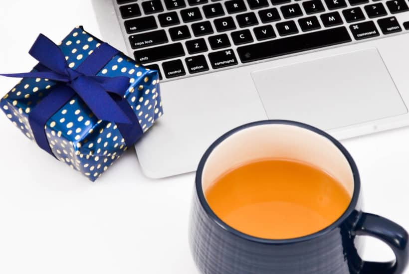 Gift ideas for the blogger in your life. Practical and novelty gift ideas for the blogger who is serious about blogging. Gifts that will support and encourage your aspiring blogger. #blogging #blogresources #christmas | The Ultimate Blogger's Gift Guide | Tech Girl Help Desk